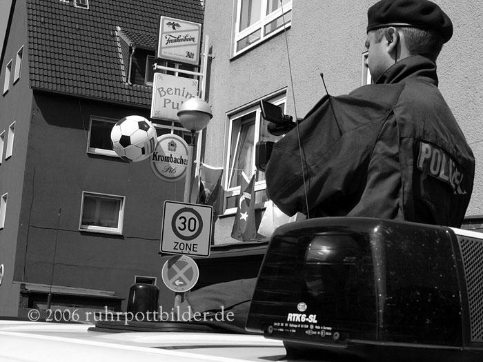 Filmen von friedlichen Nazigegner - Gelsenkirchen