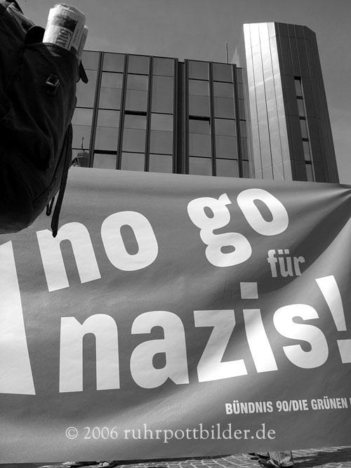 01protest-nogonazis-ge.jpg