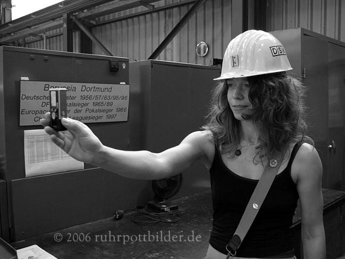 Verena mit der Ixus - Zentralwerkstatt Bottrop