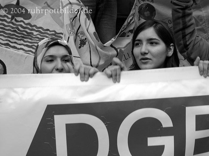 Mit DGB-Transparent gegen Naziaufmarsch - Dortmund